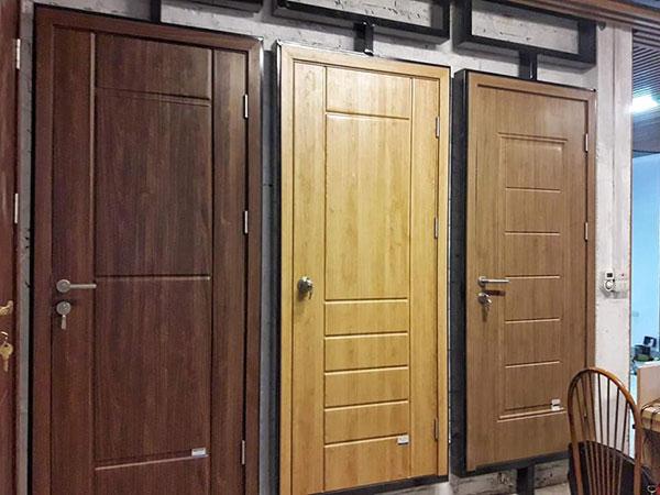 lựa chọn cửa nhựa vân gỗ tại quảng ninh