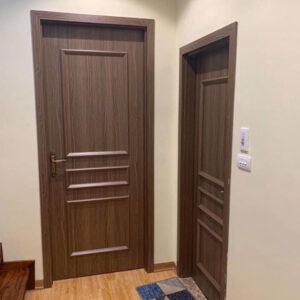 lắp cửa nhựa vân gỗ quảng ninh